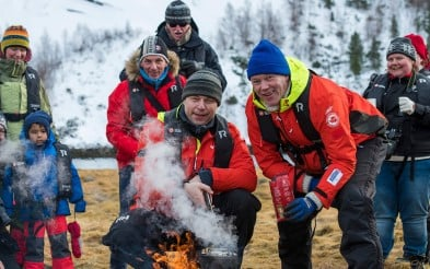 Gå med i expedition team för särskilda vandringar på land.