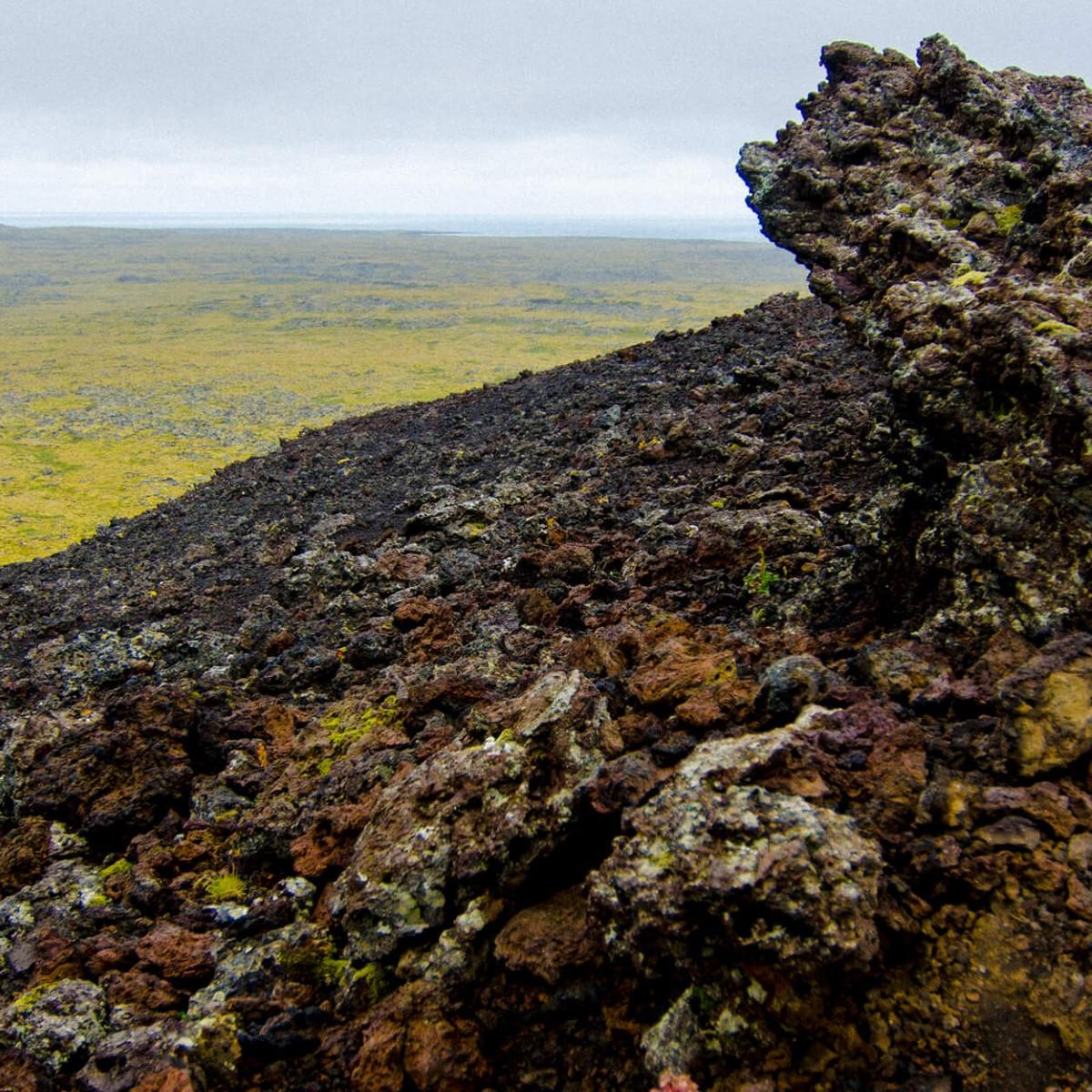 Grottor, kratrar och vikar | Hurtigruten utflykt Island | Hurtigruten SE