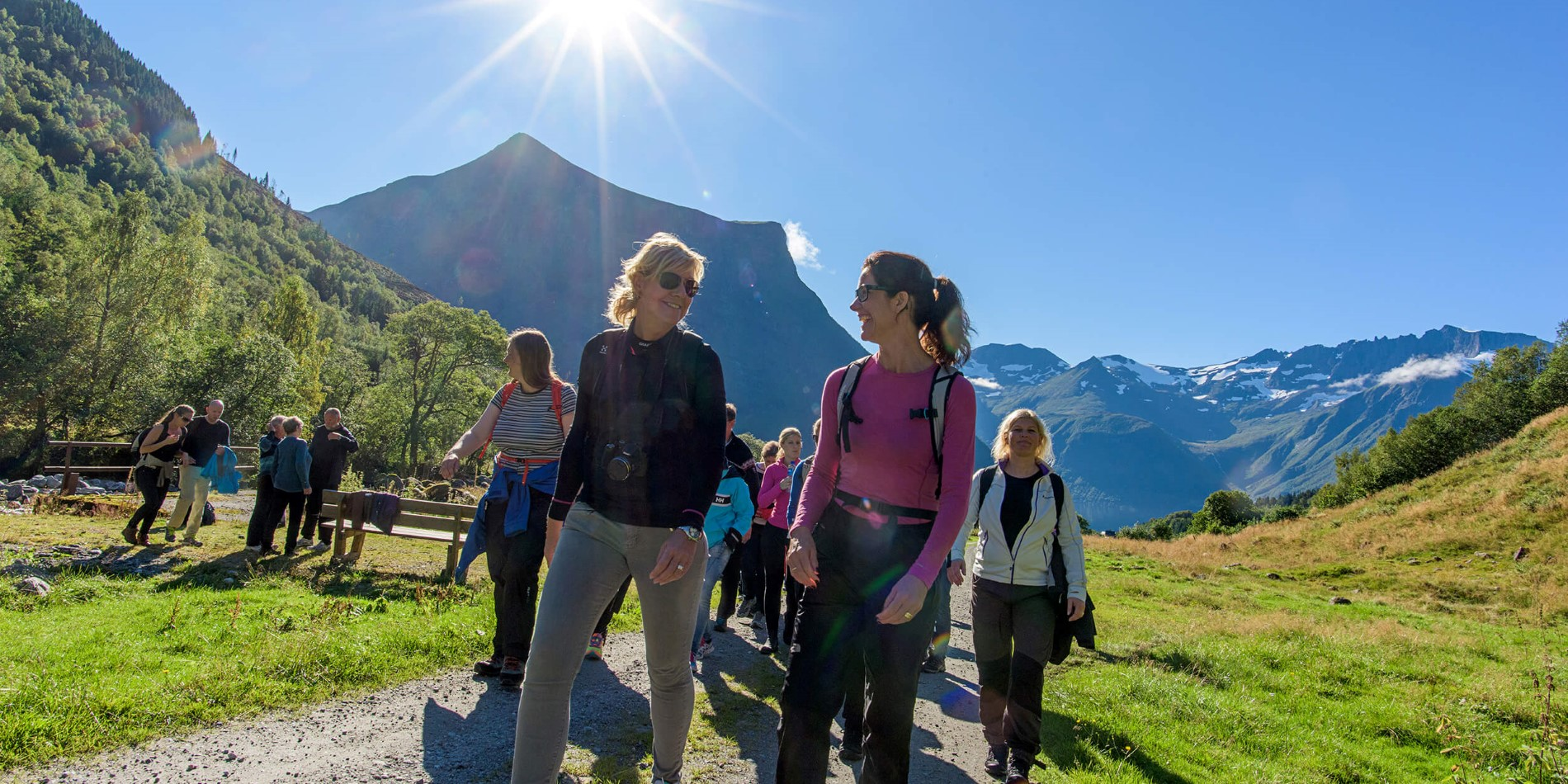 2h_hike_with_a_visit_to_a_shieling_51_hurtigruten_hjoerundfjorden_foto_ørjan_bertelsen_056.jpg