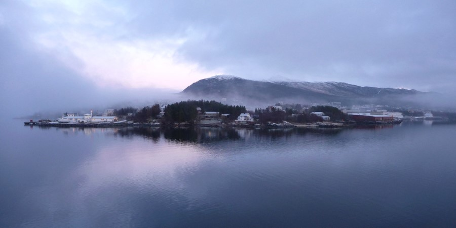 1800x900_List-img_Finnsnes_Appearing-in-the-front_BY_Martin-York_Guest-Image.jpg